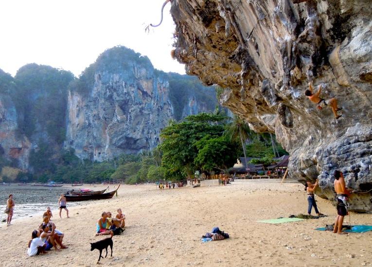 rock-climbing-by-jbroom
